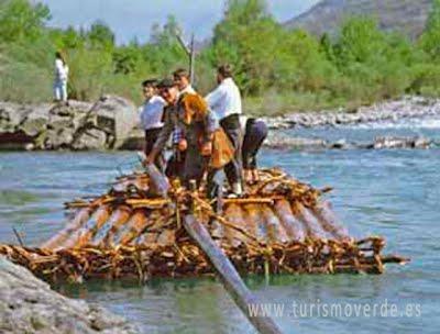 TURISMO VERDE HUESCA. Descenso de navatas en el rio cinca